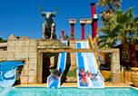 Camping avec Ambiance club Agde - Camping Spa Mer et Soleil-1