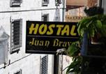 Location vacances  Ségovie - Hostal Juan Bravo-1