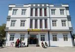 Location vacances  Myanmar - 3 Colours Guest House-1