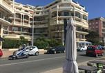 Location vacances Bord de mer de Menton - Michele Apartment in Victoria Beach-2