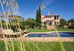 Location vacances Sant Llorenç des Cardassar - Villa with 3 bedrooms in Sant Llorenc des Cardassar with wonderful sea view private pool enclosed garden 12 km from the beach-1