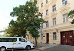 Location vacances Praha 2 - Vinohrady Sazavska Apartments-2