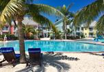 Village vacances Bahamas - Sandyport Beach Resort-1