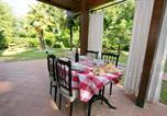 Location vacances Lonato - Desenzano del Garda Apartment Sleeps 4 Pool-1