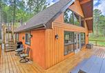 Location vacances Hot Springs - Central Black Hills Cabin w Loft & Wraparound Deck-2