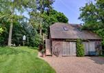 Location vacances Benenden - Warm Holiday home in Benenden Kent with Pond-1