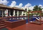 Location vacances Isla Mujeres - Beachfront Luxury Garden House-3