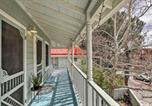 Location vacances Tombstone - Charming Home with Balcony, Walk to Main Street-3