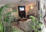 Location vacances Jeddah - Al Ezzah Palace Hotel Suites-3