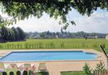 Location vacances Breil - Holiday home Neuillé with a Fireplace 441-3