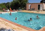 Camping avec Piscine Vallabrègues - Camping Les Micocouliers-1