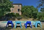 Location vacances Petritoli - Family Villa with swimming pool near to the beach-1