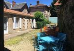 Location vacances Gétigné - House with one bedroom in La Gaubretiere with shared pool enclosed garden and Wifi-1