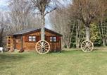 Camping avec Piscine Thérondels - Les Clos de Banes-2