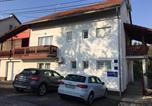 Location vacances Slunj - Apartment Garden-4