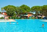 Location vacances  Ville métropolitaine de Venise - Apartments in Bibione 24605-1