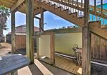 Location vacances Freeport - Surfside Beach Escape with 2-Tier Deck and Patio!-4
