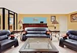 Hôtel Osceola - Days Inn Millington-2