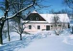 Location vacances Vcelákov - Holiday Home Karlštejn-1