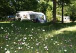 Camping 4 étoiles Villeneuve-les-Genêts - Camping Sites et Paysages Au Bois Joli-1
