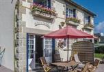 Location vacances Bord de mer de Fréhel - Two-Bedroom Holiday Home in Saint Cast Le Guildo-4