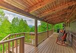 Location vacances Bryson City - Bryson City Cabin with Private Hot Tub and Pool Table!-1