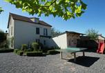 Location vacances  Nièvre - Lovely Holiday Home in St-Honore-les-Bains with Garden-2