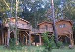 Location vacances Castels - Les Cabanes du Tertre-4