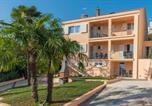 Location vacances Vrsar - Villa Green Palm-1