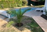 Location vacances Saint-Julien-en-Born - Maison landaise moderne piscine chauffée spa-3