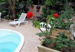 Hôtel Ilhabela - Suíte 8 com piscina e wi-fi em Caraguatatuba-3