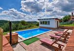 Location vacances Međimurska - Beautiful home in Selnica w/ Outdoor swimming pool and 2 Bedrooms-2