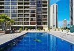 Location vacances Maunaloa - Waikiki Sunset 2105 Paradise Awaits 1-bedroom Superior Suite with Incredible Views-1