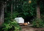 Location vacances Monroe - Tentrr - Cascade Rose Alpaca Farm Stay-1