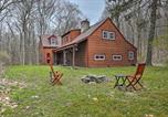 Location vacances Highland - Secluded Home with Fire Pit Sip, Ski and Explore!-3
