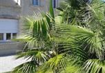 Location vacances La Cambe - Holiday home 14230 Saint-Germain-du-Pert, France-4