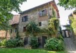 Location vacances  Province d'Alexandrie - Lovely Castle in Tagliolo Monferrato Amidst Vineyards-2