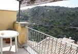 Location vacances  Province de Raguse - Holiday home Via Maria Paterno' Arezzo-2