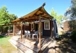 Camping avec Site nature Le Bar-sur-Loup - La Plage du Dramont-2