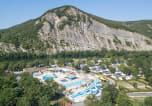 Camping avec Quartiers VIP / Premium Rhône-Alpes - La Plage Fleurie-1