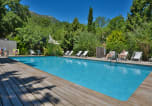 Camping avec Site nature Provence-Alpes-Côte d'Azur - Les Cent Chênes-1
