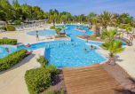 Camping avec Ambiance club Agde - Les Champs Blancs-1
