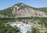 Camping avec Site de charme Valréas - La Plage Fleurie-1