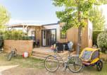 Camping avec Quartiers VIP / Premium France - La Pomme de Pin-1