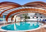 Camping avec Site de charme Monterblanc - Les 2 Fontaines-3