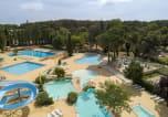 Camping avec Ambiance club Hérault - Le Plein Air des Chênes-1