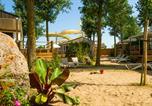 Camping avec Parc aquatique / toboggans Hérault - Les Méditerranées - Beach Garden-1