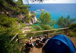Camping avec Hébergements insolites Espagne - Cala Llevadó-1
