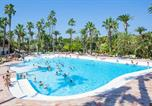 Camping  Acceptant les animaux Antibes - La Baume-1