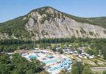 Camping avec Accès direct plage Meyras - La Plage Fleurie-1